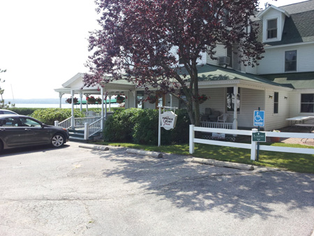 Onekama Portage Point Inn