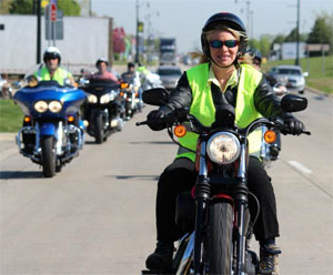 SOS-on-motorcycle_455008_7